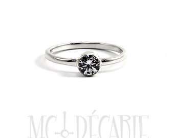 Solitaire 2mm, 5 mm stone, bezel setting, silver or 10k gold, swarovski cubic zirconia or diamond, engagement ring, stone ring, tiny. #S112