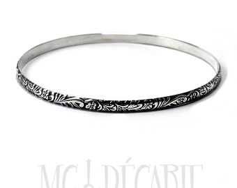"""Silver bangle """"flower"""" texture, solid sterling silver bangle, half round wire 4mm x 2mm thick. Handmade, gift for her. #BA111"""