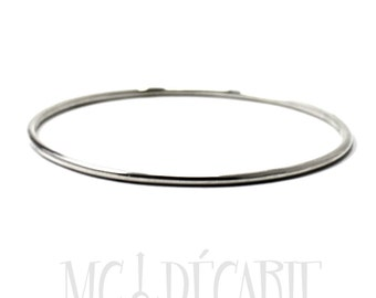 BANGLE Silver slick round wire, solid sterling silver bangle, slick round wire 2mm thick. Handmade, gift for her, minimalist bangle. #BA127