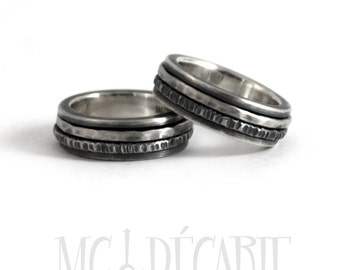 His and hers spinner ring set in silver, wedding ring set, unisex sterling silver personalized with engraving, coordinates rings. #EJ181