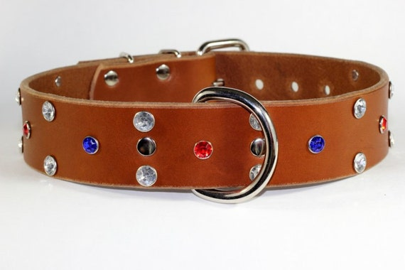 USA en cuir sur le thème chien - cuir beige cristal Collier - Collier en cuir avec des cristaux de Rivet