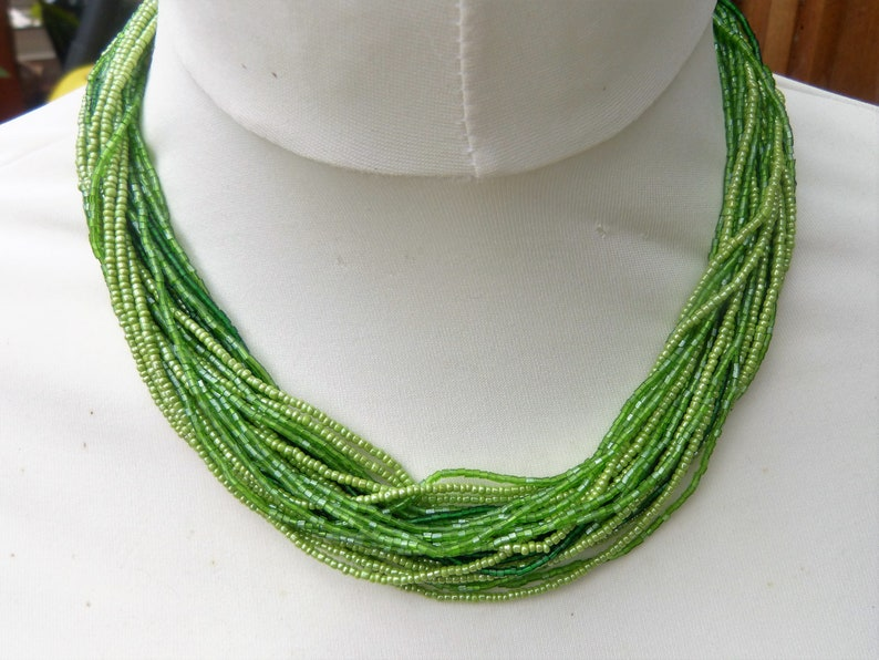 Vintage 1980s multistrand green glass seed bead necklace India 30 strands