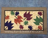 Quilted Fall Table Runner, Handmade Fall Leaf Table Runner, Quilted Fall Leaf Table Topper, Autumn Table Runner, Fall Quilt, Fall Decor