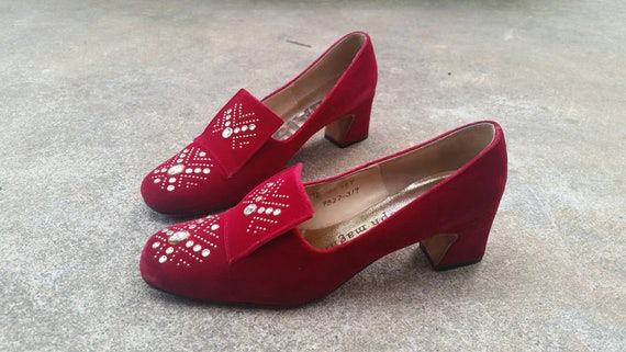 Velvet Pumps Red Velvet Pumps 1960s Red Velvet Pum