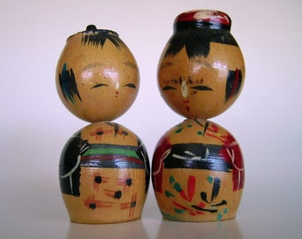 Vintage Kokeshi Nodder Head Couple Tiny Boy and Girl Wooden Dolls – Made in Japan – Mid Century Instant Collection
