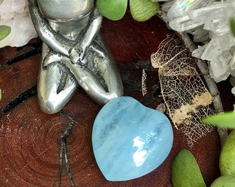 Aquamarine Crystal Heart | Blue Aquamarine Heart Shaped Gemstone | Blue Crystals for Gridding, Crystal Therapy, Reiki, Magic, Witchcraft