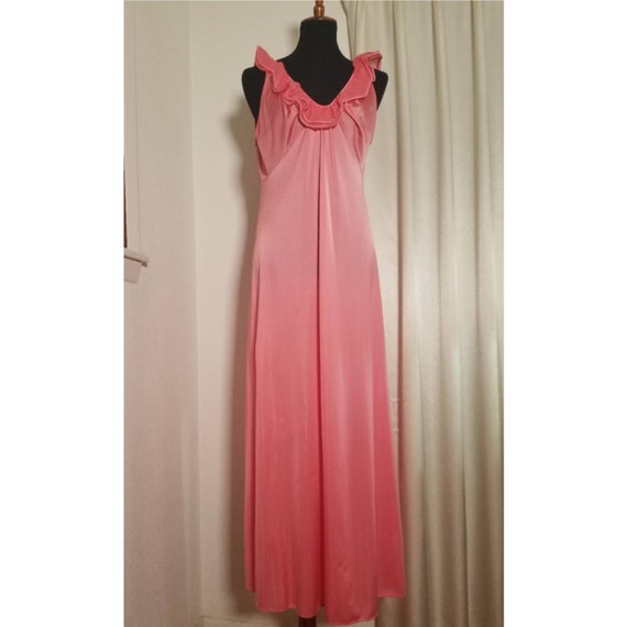 Vintage 1980's Hot Pink and Silky Peignoir Set.