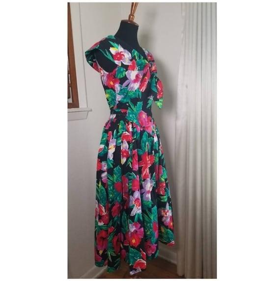 1980's Garden Party Floral Dress - image 3