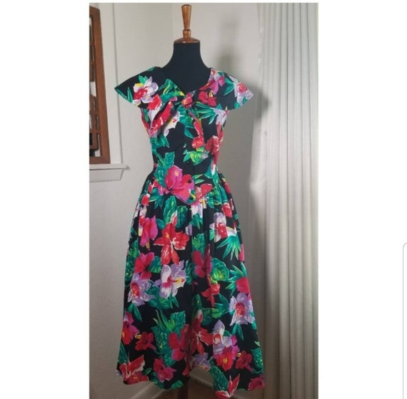 1980's Garden Party Floral Dress