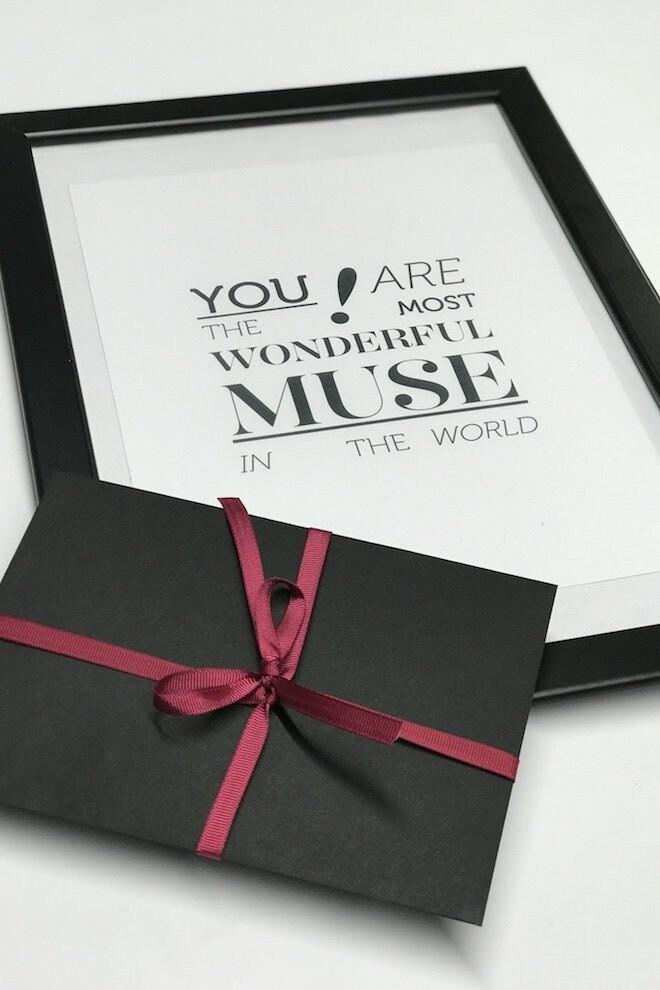 carte cadeau cadeau pour elle certificat cadeau etsy. Black Bedroom Furniture Sets. Home Design Ideas