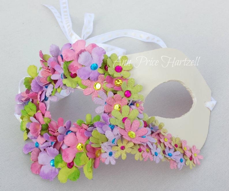 Half mask of flowers Flower Mask