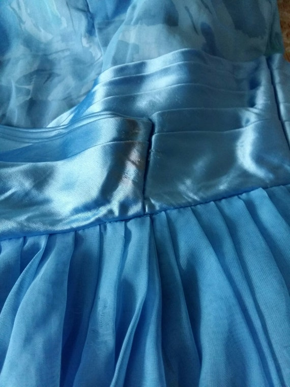 50's Blue Floral & Chiffon Party Dress - image 9