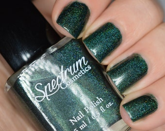 BLACK FOREST Linear Holographic Dark Green Nail Polish
