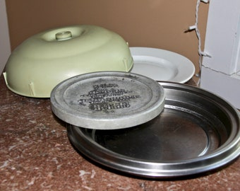 Hot Pak Serving Dish with Heat Battery that heats in the oven - 1959, still useful today
