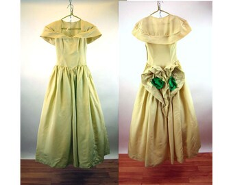dc2037d4580 1940s taffeta dress celery green with fabric rose flower bustle accent Size  S