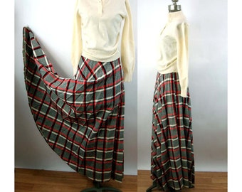 a758335d8499 1970s maxi skirt pleated tweed plaid long skirt black red white Size S