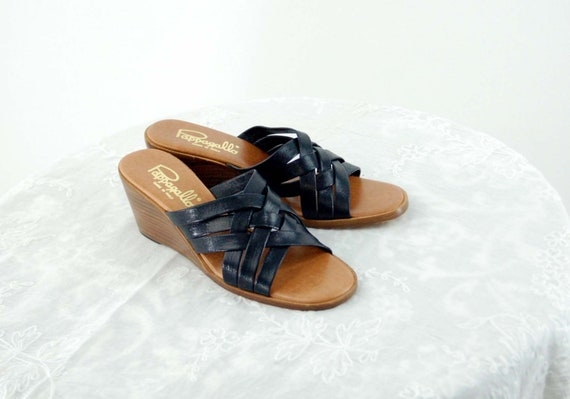 1970s sandals wedge heel navy blue woven leather o