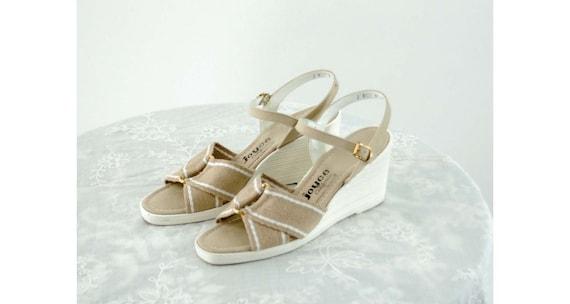 1970s sandals platform shoes tan canvas shoes by J