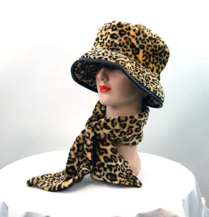 1960s 70s faux leopard hat and scarf animal print VEGAN Made  c992ab2a454