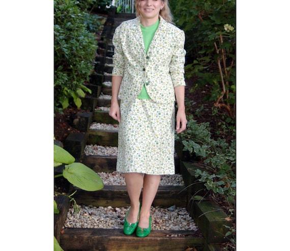 1960s ladies suit linen floral green cream skirt s