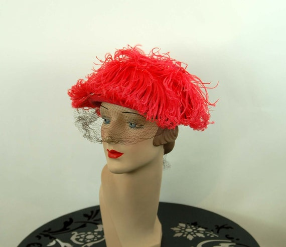 1940s hat with ostrich feathers hot pink long feat