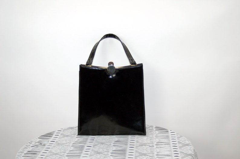 d05bc2be11 1960s patent leather handbag mod purse black shiny bag sleek