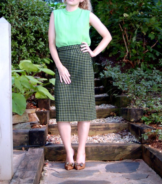 390c95938e 1950s wool skirt plaid checked green tweed a line skirt Size