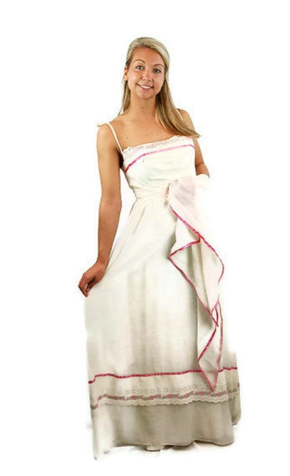 1960s maxi dress, peasant dress, prairie dress, wh