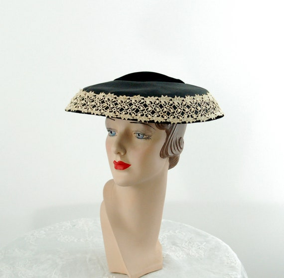 1950s saucer hat New Look dish platter hat black w