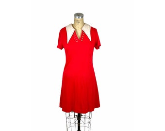 1970s red knit dress white collar by Cobbs Corner Size M