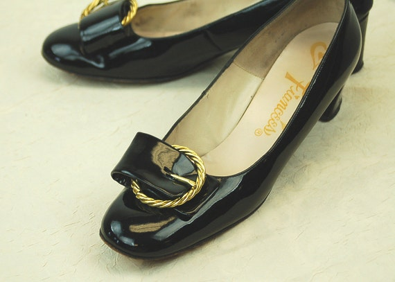 1960s shoes patent leather black shoes low heel bi