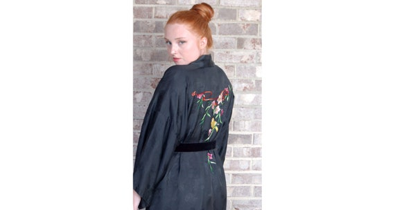 Vintage Chinese robe embroidered black rayon robe