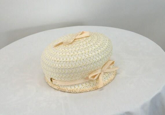 1960s hat white straw bubble tilt hat jockey styl… - image 6