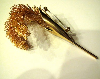 Vintage Gold Tone Wire Wheat Husk Flower Pin Brooch 1950's