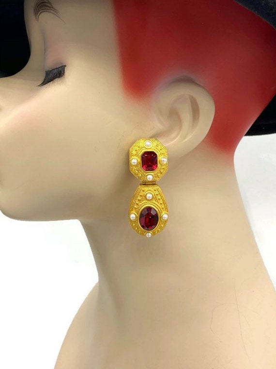 Vintage Joan Rivers Faux Ruby and Seed Pearl Baroq
