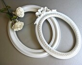 Vintage Oval Frames, White Frames, Shabby and Chic, Cottage Chic, Wall Decor, Bow Frame, French Country