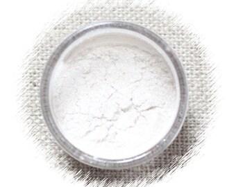 Super Pearl White Luster Dust, White Designer Luster Powder, Pearl White Confectionary Luster Powder, White Luster Powder (2 g)