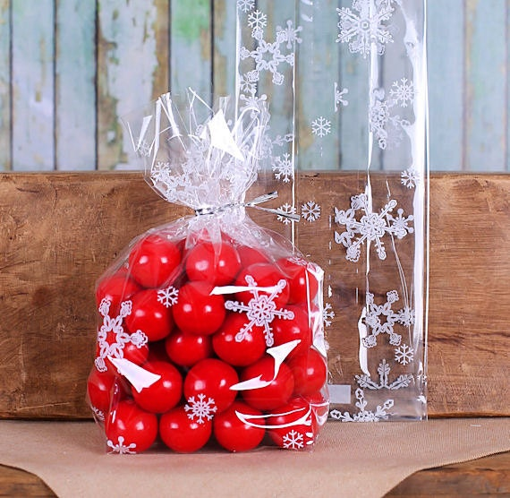 Snowflake Pattern Cello Treat Gift Basket Bags with Twist Ties x 6