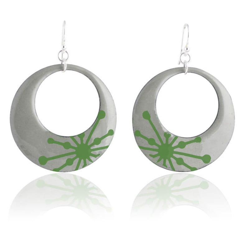 Green Starburst Mod Circle Enamel Earrings image 0