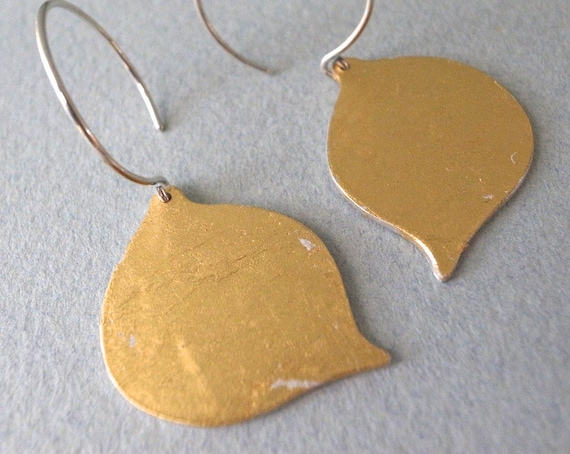 gold dangle earrings - shape 9