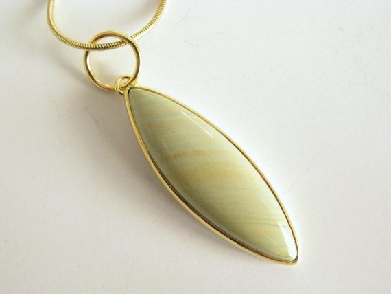leaf pendant - 22k gold with imperial jasper