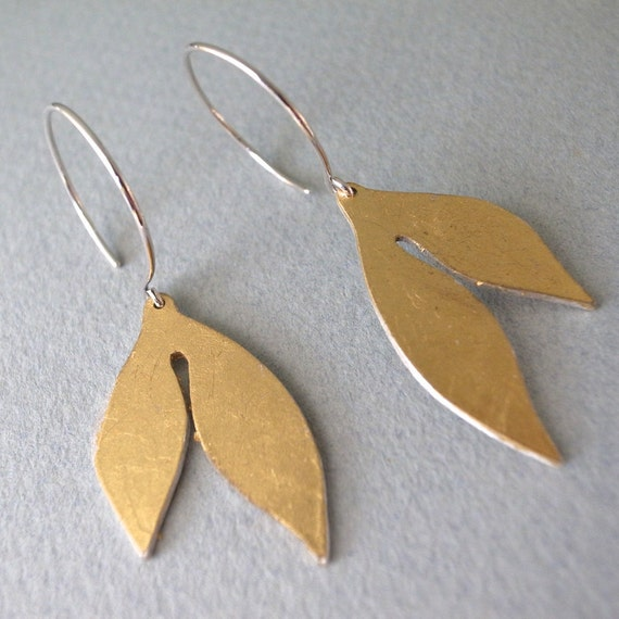 gold dangle earrings - shape 7
