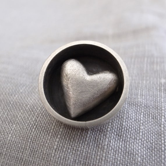 circle heart pin - sterling silver