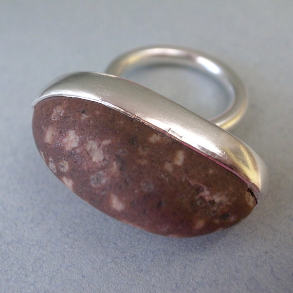 large beach rock ring - red speckled