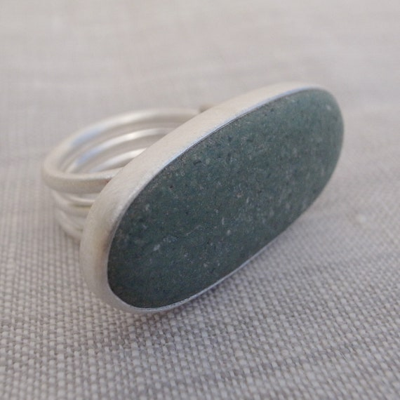 large green beach rick ring - coiled band
