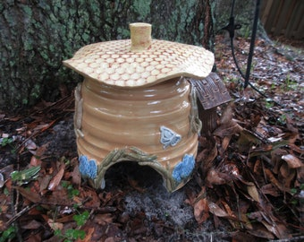 Bee Hive Toad Abode