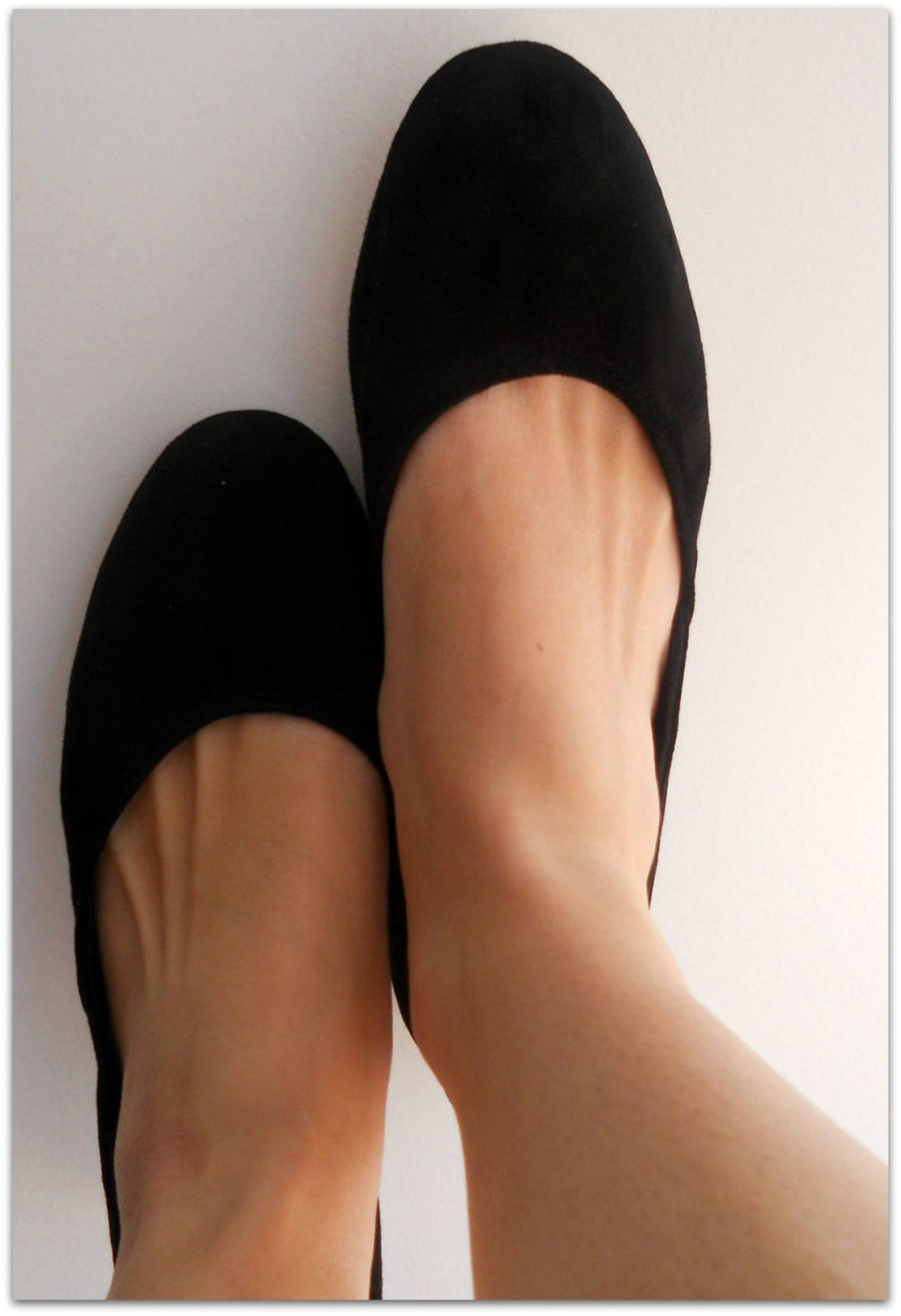 maya. black suede flats/ pointy toe shoes/ ballet flats/ women's shoes.