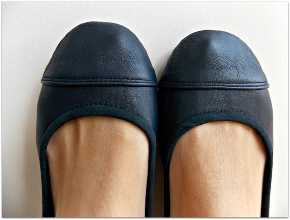 LUNAR. Navy Blue flats/ women shoes