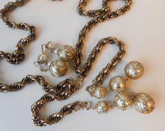 Vintage Costume Adjustable Necklace Sautoir Tassel Clip On Dangle Earrings Filigree Faux Pearls