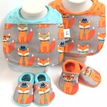 Fox Baby Bib and Bootie Set/ Foxes on Gray // Fox Baby Bibs // Fox Baby Booties // Soft Sole Baby Shoes // Baby Bootie